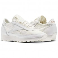Reebok Aztec Shoes Womens White/Rose Gold (271NZTQB)
