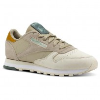 Reebok Classic Leather Shoes Womens Cb-Spr Neutral/Sandtrp/Wd Khaki/Wht/Chalk Grn (378YQVUZ)