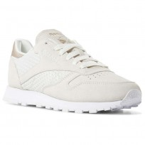 Reebok Classic Leather Shoes Womens Emb-White/Chalk/Sleek Met (754HBNMO)